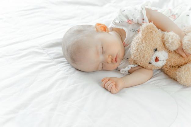 Offrir de belles nuits à votre bébé grâce au gigoteuse ou pyjama